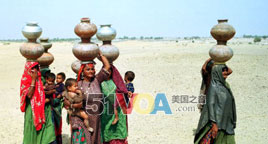 Pakistanis Suffer from Drought but Find New Energy Sources